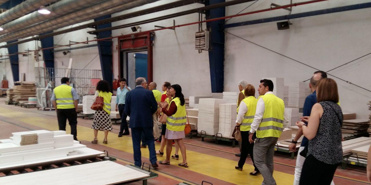 ACHM visita la fábrica Glicerio Chaves en Ciudad Real